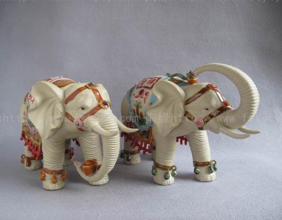 高档作品 《大象》(新)-周永锵  作品名称:《大象》(新)-周永锵 陶艺